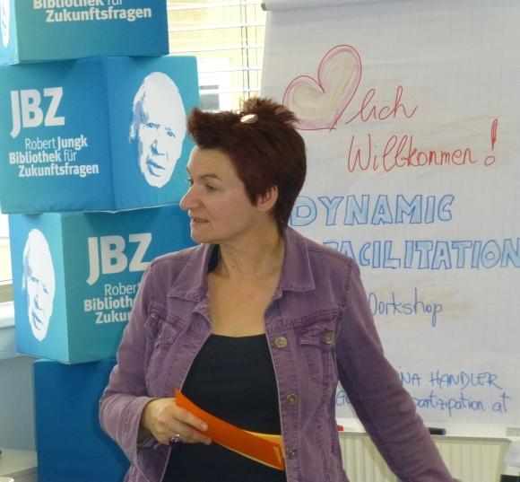 Die Partizipationsexperte Martina Handler am 16.1.2015 in der JBZ-MethodenAkademie